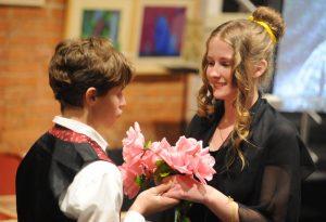 Театральный фестиваль стартовал в школе № 518. Фото: Александр Кожохин, «Вечерняя Москва»