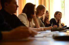 Девятиклассники смогут зарегистрироваться на участие в государственной итоговой аттестации на сайте мэра Москвы. Фото: архив, «Вечерняя Москва»