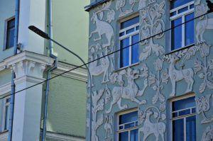 Фасад нежилого здания отремонтируют в районе. Фото: Анна Быкова