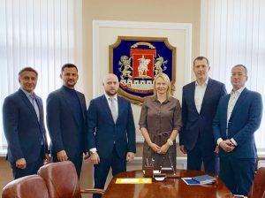 Префект ЦАО и бизнес-омбудсмен Москвы договорились о взаимодействии. Фото предоставлено пресс-службой префектуры ЦАО