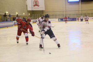 Заключительные матчи в 2019 году сыграла хоккейная команда Плехановского университета. Фото: Павел Волков, «Вечерняя Москва»