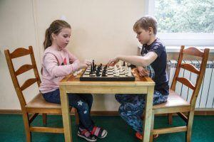 Новогодний турнир по шахматам провели в школе №1259. Фото: Михаил Подобед