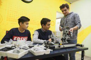Ученики школы №627 вышли в финал конкурса инженеров. Фото: Антон Гердо, «Вечерняя Москва»
