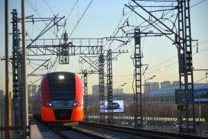 Специальные указатели начали наносить на станциях метро и МЦК. Фото: Александр Кожохин, «Вечерняя Москва»