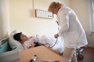 Оперштаб: Среди заболевших 6 процентов людей старше 80 лет. Фото: Пелагия Замятина, «Вечерняя Москва»