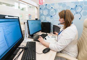 Врачи Центра телемедицины работают с больными COVID-19 круглосуточно. Фото: сайт мэра Москвы