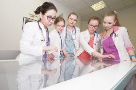 Более 70 ординаторов завершили обучение в Морозовской больнице. Фото: Антон Гердо, «Вечерняя Москва»