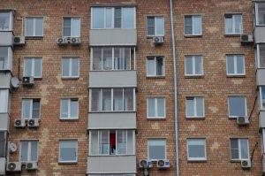 Отселенные дома в районе проверят на наличие посторонних лиц. Фото: Анна Быкова