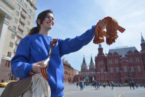 Георгиевские ленточки можно получить на Павелецком вокзале. Фото: архив, «Вечерняя Москва»
