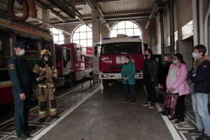 Студентам колледжа малого бизнеса провели экскурсию по пожарной части. Фото взято с сайта учреждения