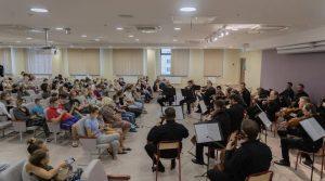 Камерный оркестр выступил в Морозовской больнице в честь Дня города. Фото взято с сайта больницы